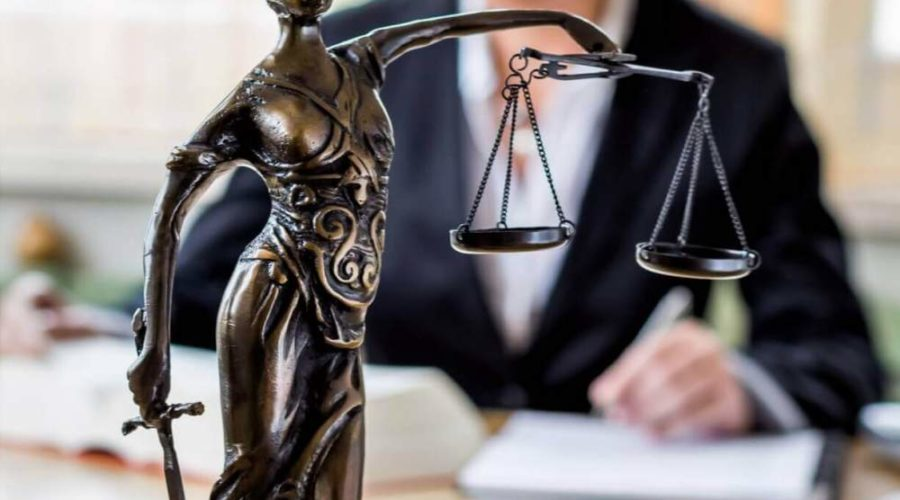 Divorce Lawyer Responsibilities to His Clients