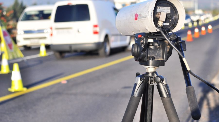 Top 4 Benefits of Hiring a Speeding Ticket Traffic Lawyer